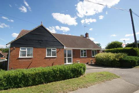 2 bedroom detached bungalow for sale - Roman Road, Mountnessing, Brentwood, Essex, CM15