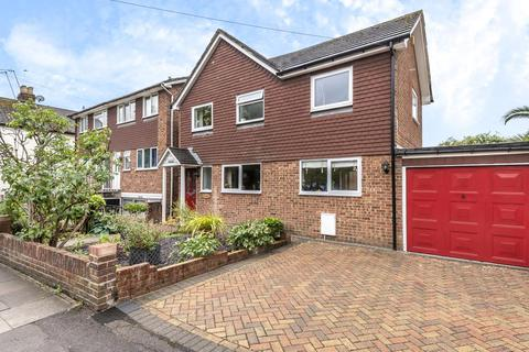 4 bedroom detached house - Staines Upon Thames,  Surrey,  TW18