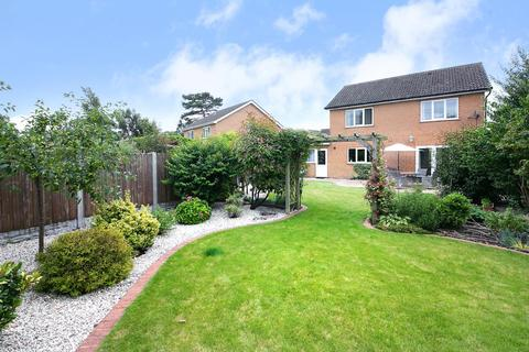 3 bedroom detached house for sale - St Johns Close, Pocklington