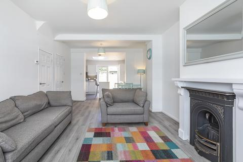 3 bedroom terraced house to rent - Hesperus Crescent, London, E14 3AB