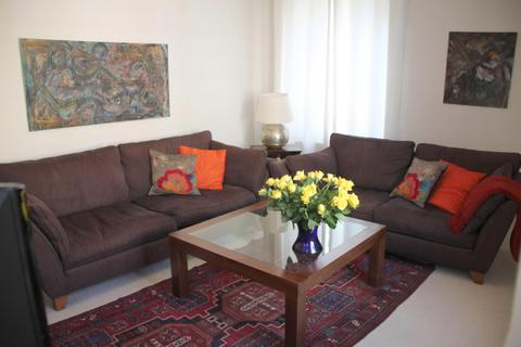 4 bedroom terraced house to rent - Whitfield Street, London, W1T