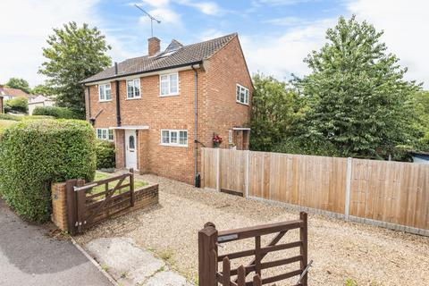 3 bedroom end of terrace house for sale - Beldham Road, Farnham, GU9
