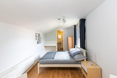 8 bedroom house share to rent - Luton, LU1