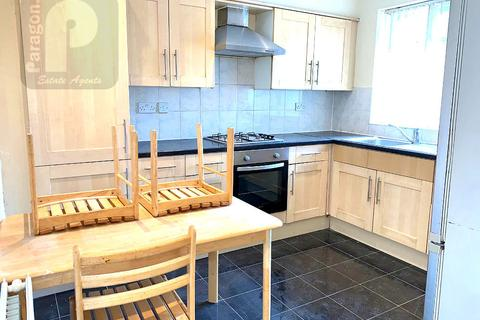 3 bedroom flat to rent - Edgware Road, Colindale, Middlesex, NW9