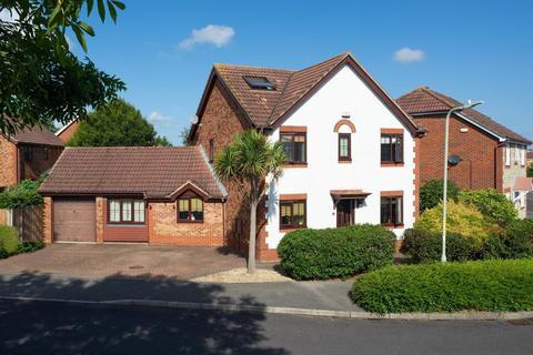 5 bedroom detached house for sale - Smithy Drive, Park Farm, Ashford, TN23