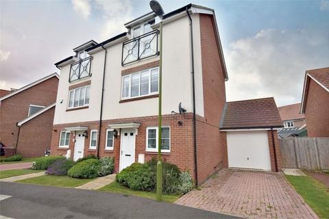 3 bedroom semi-detached house for sale - Burbridge Road, Leavesden, WATFORD, Hertfordshire