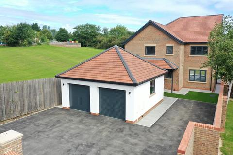 4 bedroom detached house for sale - Coniscliffe Road, Hartlepool, TS26