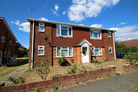 Studio to rent - Flat 1, Steyning House, Middle Road, Lancing, BN15