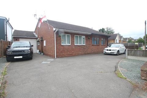 2 bedroom semi-detached bungalow for sale - Greensward Lane, Hockley