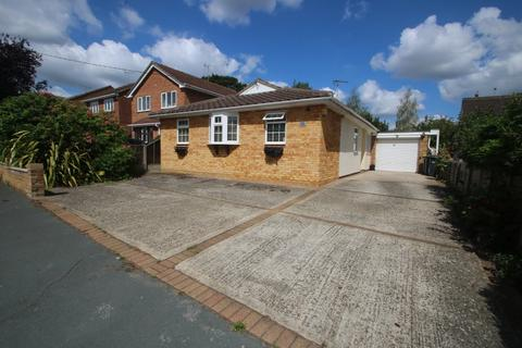3 bedroom detached bungalow for sale - Clifton Road, Rochford