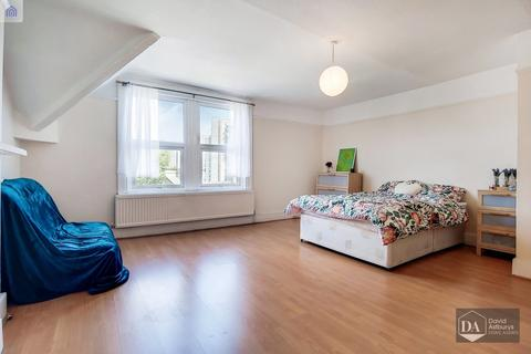 3 bedroom apartment for sale - Ribblesdale Road, Hornsey N8