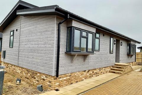 2 bedroom bungalow for sale - Residential Park Homes 45x22 Reprise Hardy Country Park Bridport Road DT2