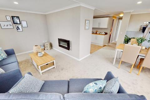 2 bedroom park home for sale - Residential Park Homes 40x20 Mews Wimborne Country Park Candys Lane BH21