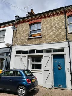 3 bedroom property to rent - Cambridge Grove, Hove