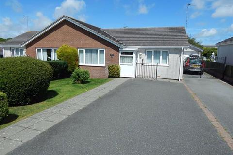 2 bedroom semi-detached bungalow for sale - Lon Farchog, Benllech, Anglesey
