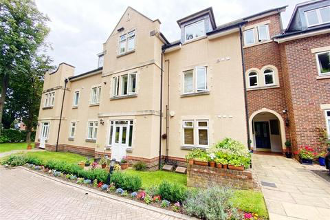 2 bedroom apartment to rent - Grove Lane, Hale, Altrincham