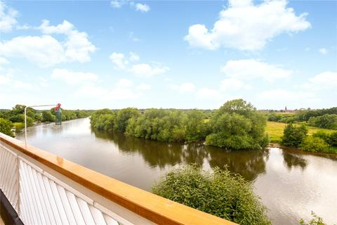 2 bedroom penthouse to rent - Riverside Court, Dee Banks, Chester, Cheshire, CH3