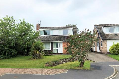 4 bedroom detached house for sale - Runswick Avenue, Acomb