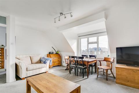 2 bedroom flat to rent - Grange Road, London