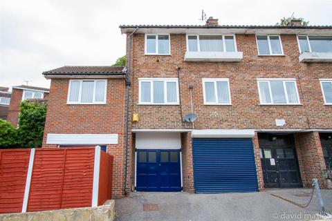 3 bedroom house for sale - Wakefield Place