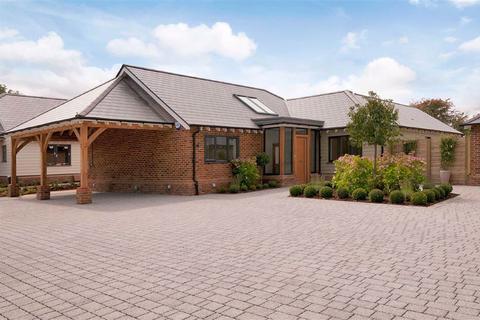 3 bedroom detached bungalow for sale - The Beech Lees Road Brabourne Lees, Ashford, Kent