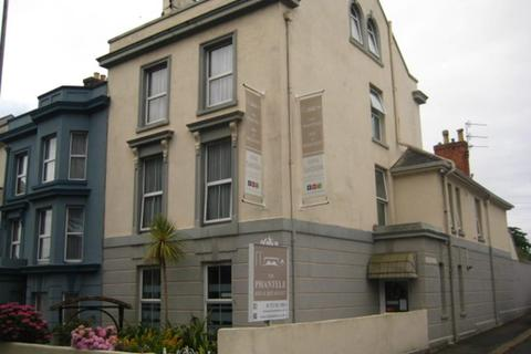 Guest house for sale - Freehold 8 Bedroom bed & Breakfast Located In Plymouth