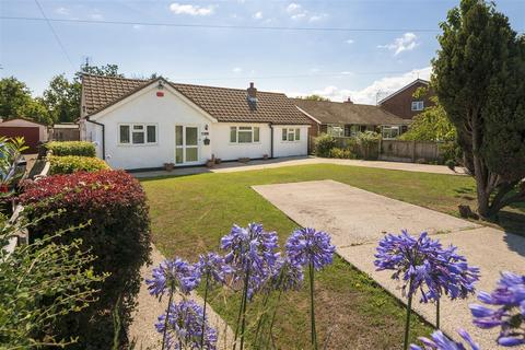 4 bedroom detached bungalow for sale - Bellevue Road, Whitstable