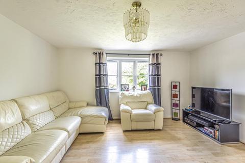 2 bedroom flat for sale - Redford Close,  Feltham,  TW13