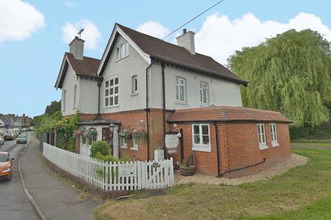 7 bedroom house for sale - Lyndhurst