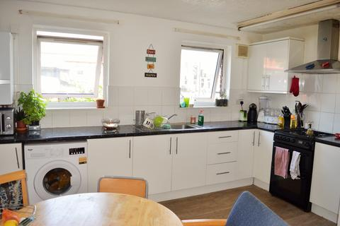 5 bedroom flat to rent - MILE END ROAD, Mile End, LONDON E1