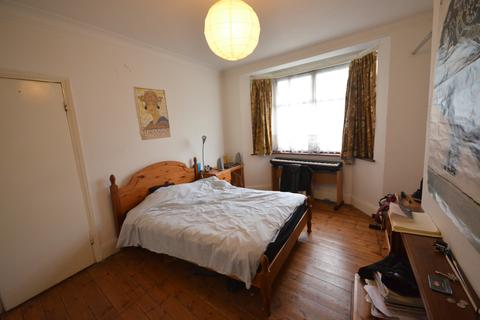 4 bedroom semi-detached house to rent - Barriedale, New Cross, London, SE14