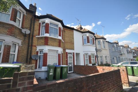 3 bedroom terraced house to rent - Church Road Erith DA8