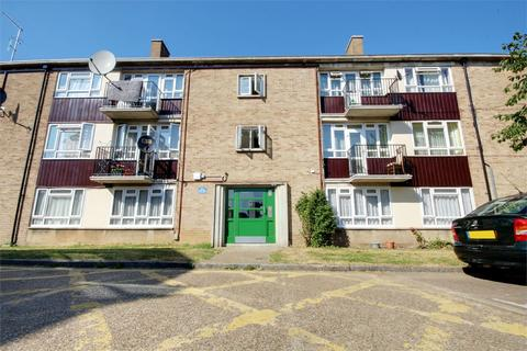 3 bedroom flat for sale - Mayfield Crescent, Edmonton, London, N9