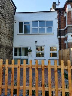 2 bedroom flat for sale - Turners Hill, Cheshunt, WALTHAM CROSS, Hertfordshire, EN8