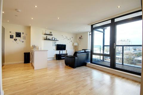 2 bedroom flat to rent - Pinnacle House, Colman Parade, Southbury Road, Enfield, Greater London, EN1