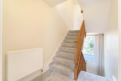 2 bedroom flat for sale - Martell Road, Dulwich, SE21 - LIKE A HOUSE INSIDE SPLIT OVER TWO FLOORS