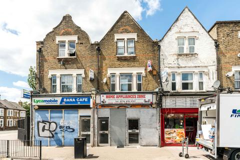 Shop to rent - Forest Gate, London E7