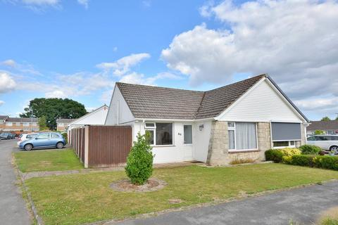 2 bedroom bungalow for sale - Coppice Avenue, Ferndown, Dorset, BH22 9PL