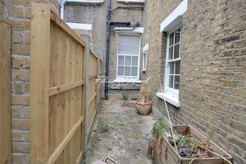 6 bedroom house share to rent - Senrab Street, E1