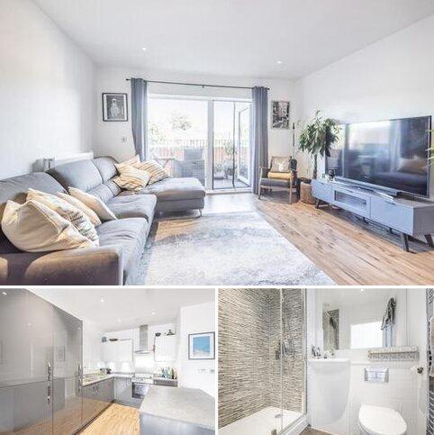 2 bedroom flat for sale - Sandy Hill Road London SE18