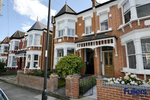 4 bedroom semi-detached house to rent - Windsor Road, Palmers Green, London N13