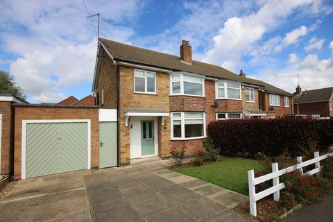 3 bedroom semi-detached house to rent - Lonsdale Way, Oakham