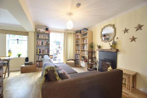 3 bedroom apartment for sale - Coronation Flats, Oak Avenue, Cheltenham, Gloucestershire, GL52