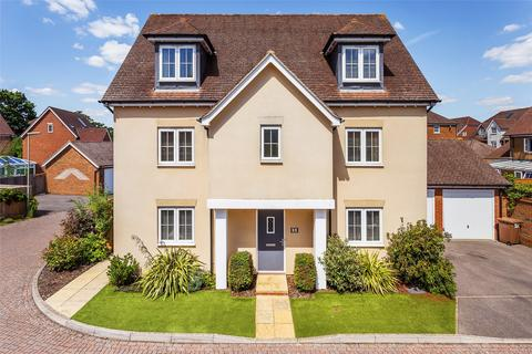 5 bedroom detached house for sale - Newman Road, Horley, Surrey, RH6