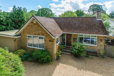 3 bedroom detached bungalow for sale - Burcot