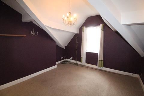 2 bedroom apartment to rent - Top floor 2 Bed Apartment, Moscow Drive