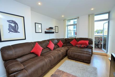 1 bedroom apartment to rent - Coral Apartments, Limehouse, E14