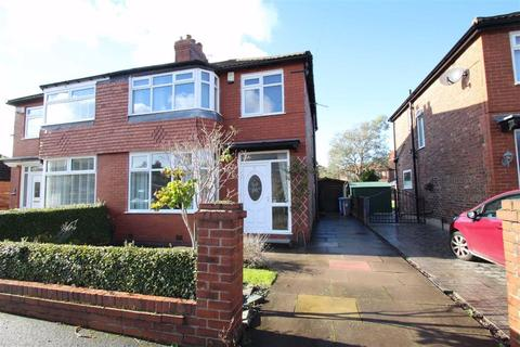 3 bedroom semi-detached house to rent - Dale Grove, Timperley