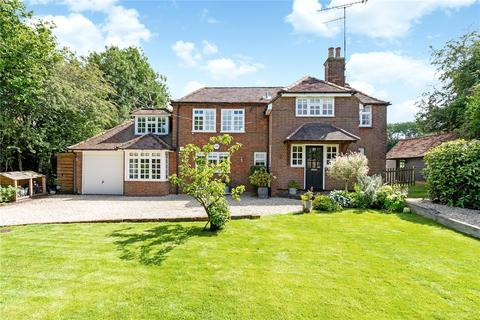 4 bedroom detached house for sale - The Row, Lane End, Buckinghamshire, HP14