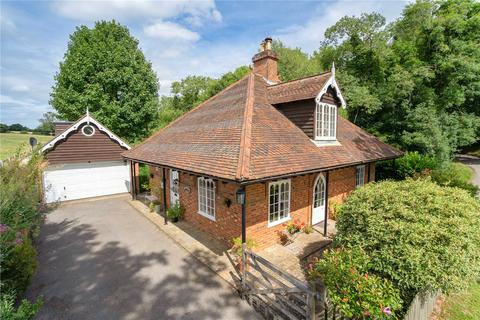 3 bedroom detached house for sale - Dunny Lane, Chipperfield, Kings Langley, Hertfordshire, WD4
